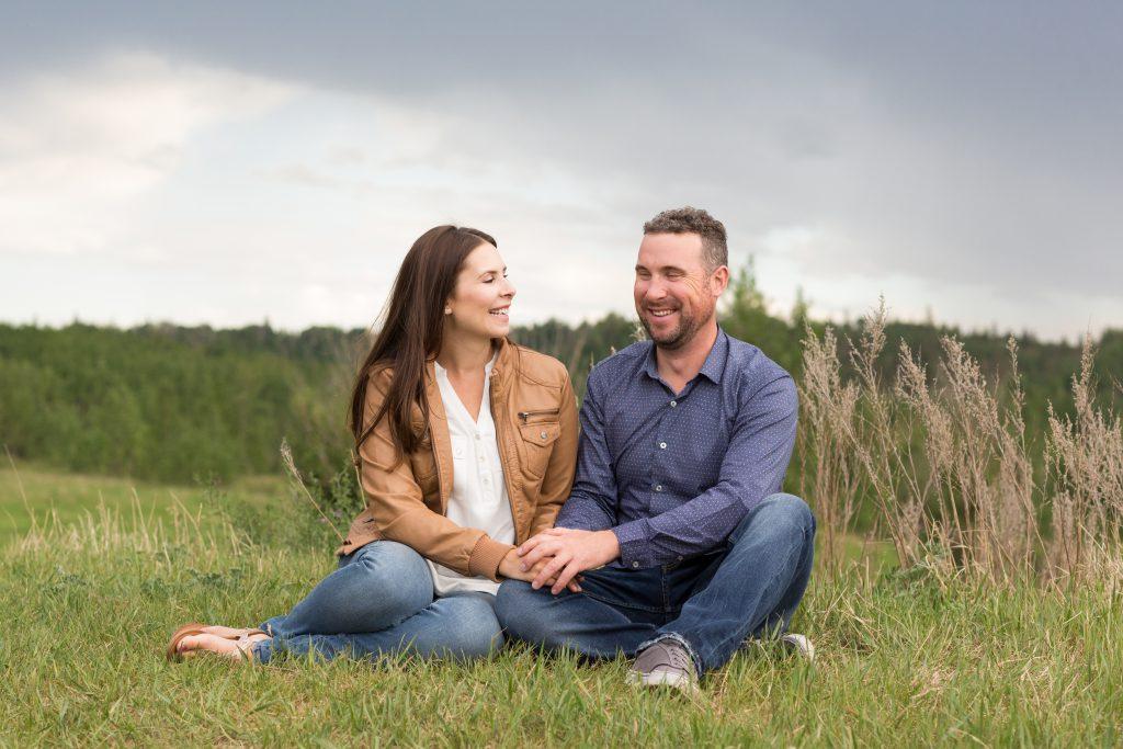 family portraits outdoors in edmonton
