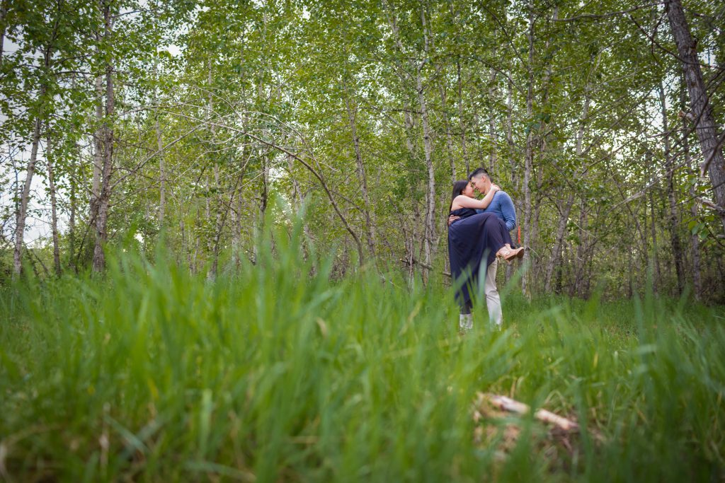 river valley park engagement photos