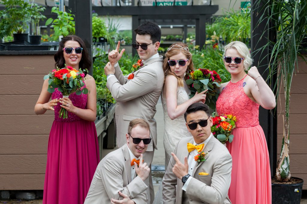 wedding photo of bridesmaids and groomsmen