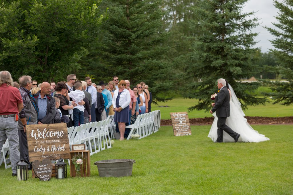 outdoor country wedding ceremony