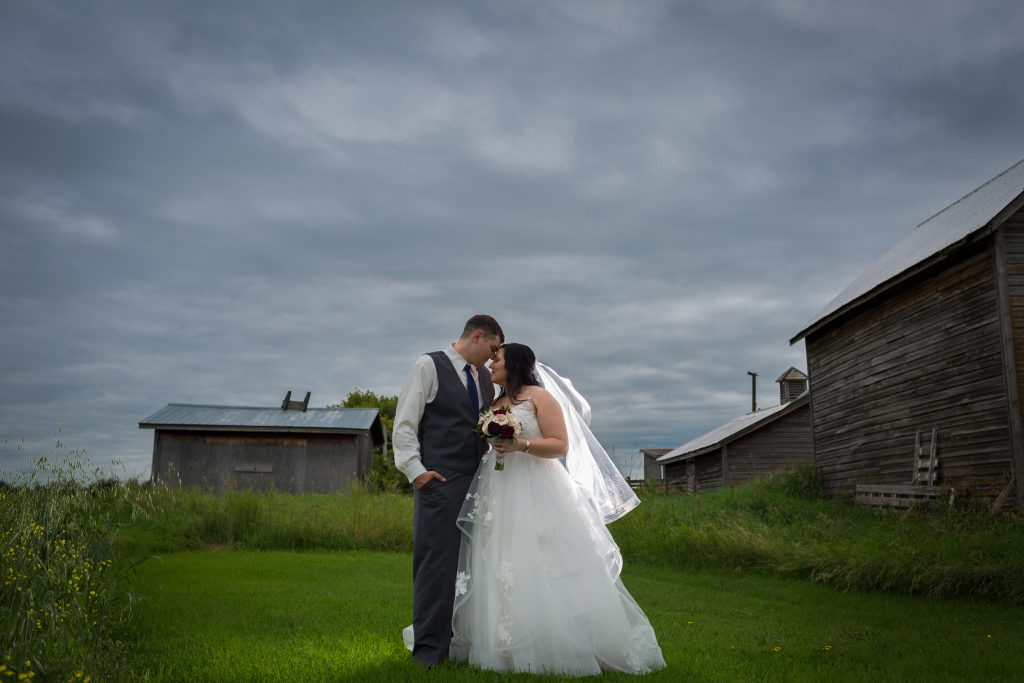 rainy weather wedding photos