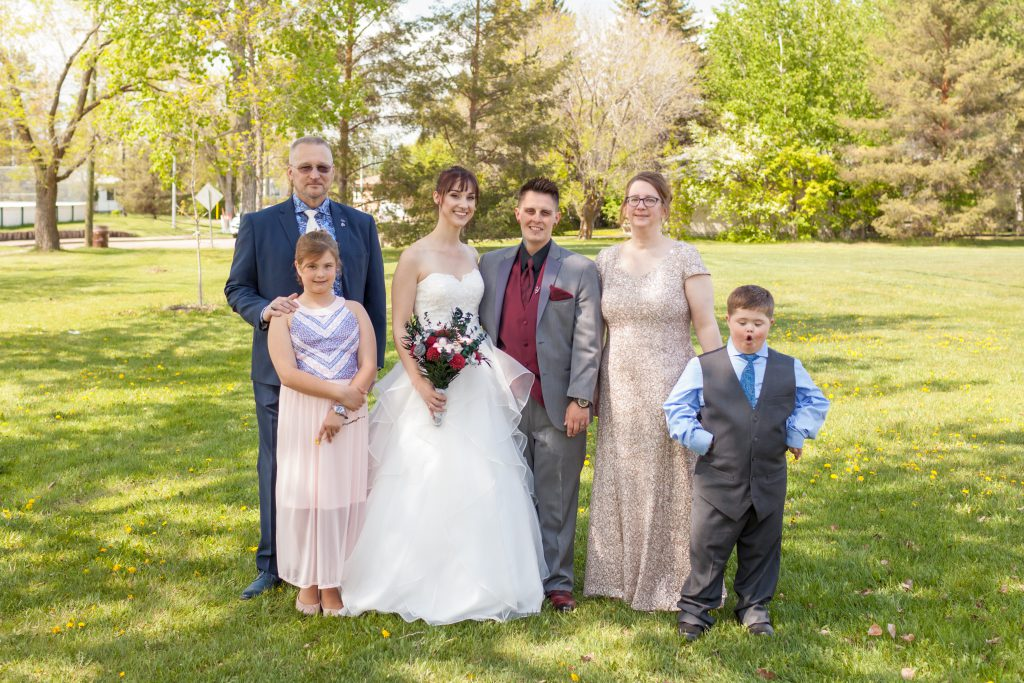 family wedding photos pleasantview